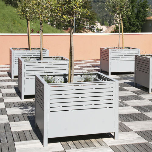 Steel planter / square / contemporary / for public areas PANORAMIC ACCENTURBA