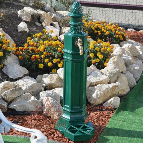 outdoor drinking fountain / aluminum