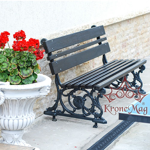 public bench / traditional / cast iron / wooden