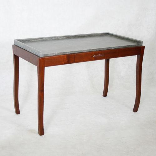 wooden desk / contemporary
