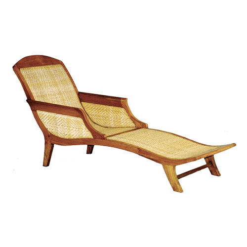 traditional chaise longue / wooden