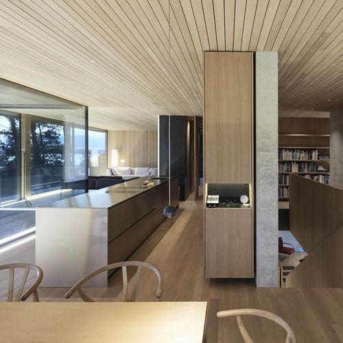 contemporary kitchen / oak / stainless steel / island