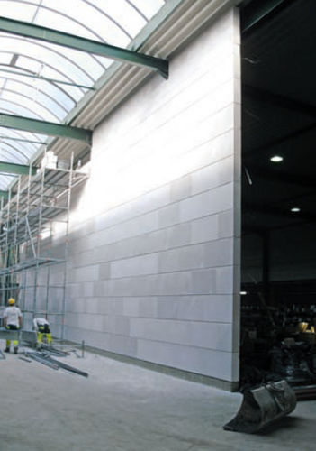 aerated concrete block with integrated insulation GIGABLOC&reg; CELLUMAT