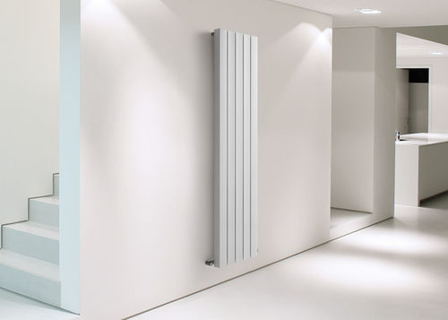 aluminium vertical hot-water radiator SOURCE HOX