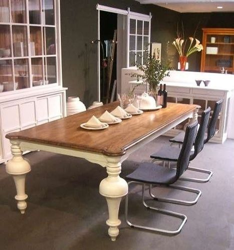 classic style extending table PR-4237 Signature Home Collection