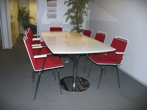 commercial chair with armrests MOMENT 3K Selka-line Oy