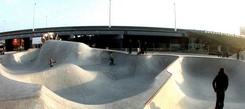 concrete skatepark ANTWERP, BELGIUM - BOWL TEAM PAIN