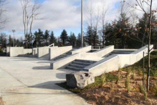 concrete skatepark IN-GROUND World Skate Parks