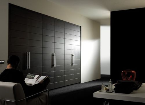 contemporary lacquered wardrobe KELENA K3 Kallmar