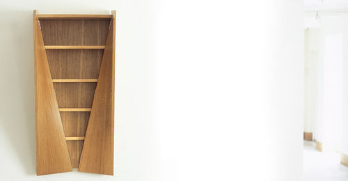 contemporary wardrobe in certified wood (FSC-certified) TWISTED by Thomas heatherwick BENCHMARK