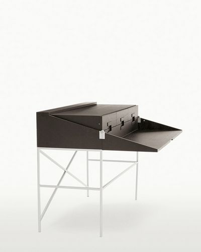 contemporary writing desk by Antonio Citterio ELIOS  MAXALTO