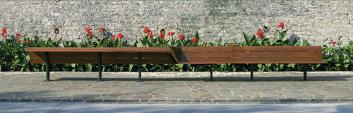 design public bench in wood and metal (with backrest) SEDIS TORSION  by Antonio Citterio + Toan Nguyen METALCO