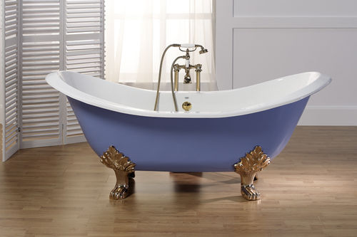 enameled cast iron bath-tub on legs THYM BLEU PROVENCE