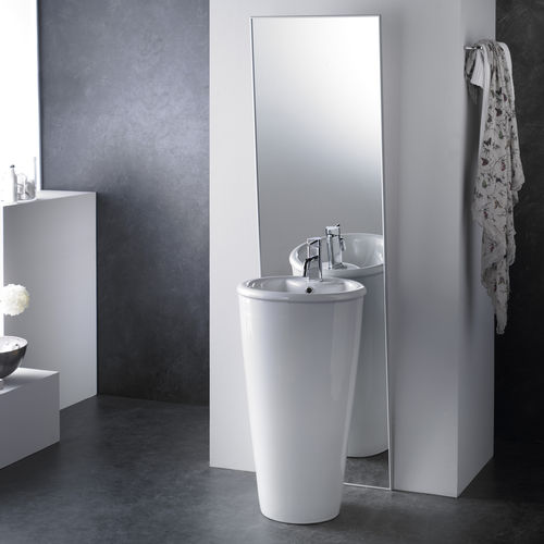 free standing porcelain washbasin ROMA The Bath Collection