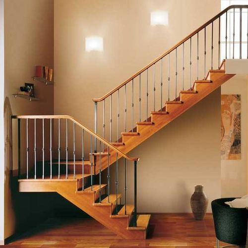 half-turn staircase with a lateral stringer (wooden frame and steps) GARA RINTAL