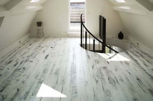 http://img.archiexpo.com/images_ae/photo-mg/pine-solid-hardwood-floor-11528-1667971.jpg