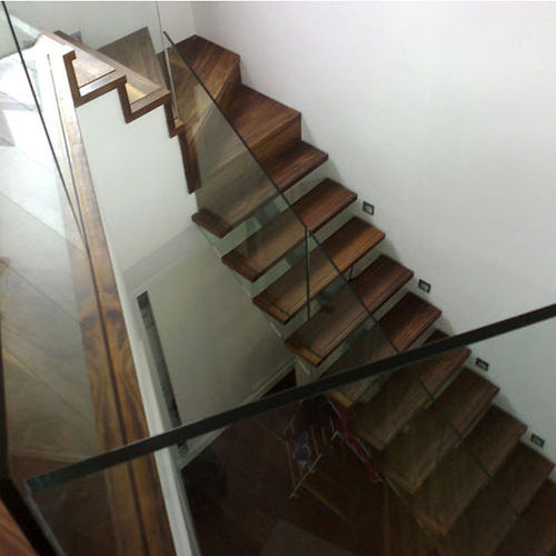 quarter-turn staircase with a central stringer (metal frame and wood steps) FULHAM, LONDON Flight Design