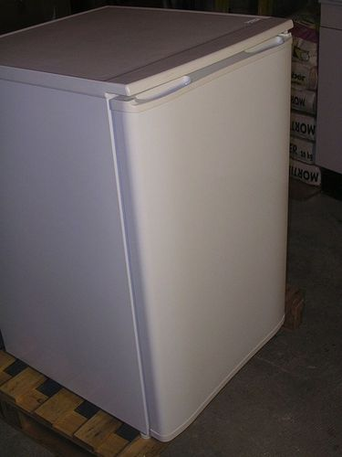 refrigerator TABLE TOP K1102A - 90 L KLEO Refrigeration