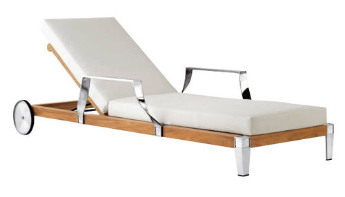 traditional garden sun lounger with casters ROBINWOOD by Philippe Starck SUTHERLAND