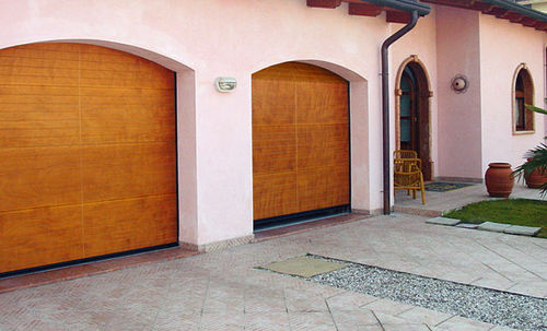 wooden arched garage door PEGASO STANDARD Breda Sistemi Industriali S.p.A. - Portoni Seziona
