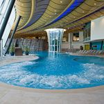 in-ground swimming pool / concrete / floating / for wellness centers