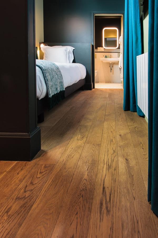 """Emois Et Bois 1er étage sopi"""" hotel chooses aniando wood flooring - 14 rue de"""