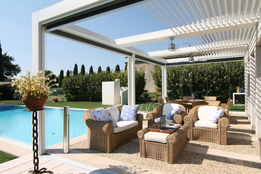 Superb BIOCLIMATIC RETRACTABLE PERGOLA FOLD 220