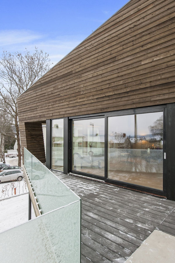 Perfect A Minimal Material Palette Includes Concrete And Siberian Larch, Which  Helps The House Blend With