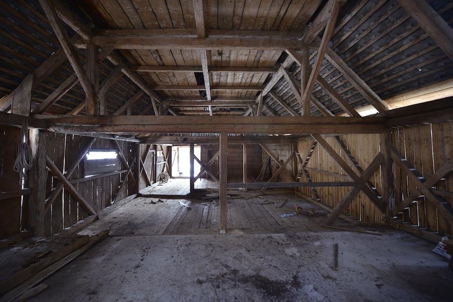 Barn Loft Apartment Gallery Home Design Ideas Eddymerckx Us