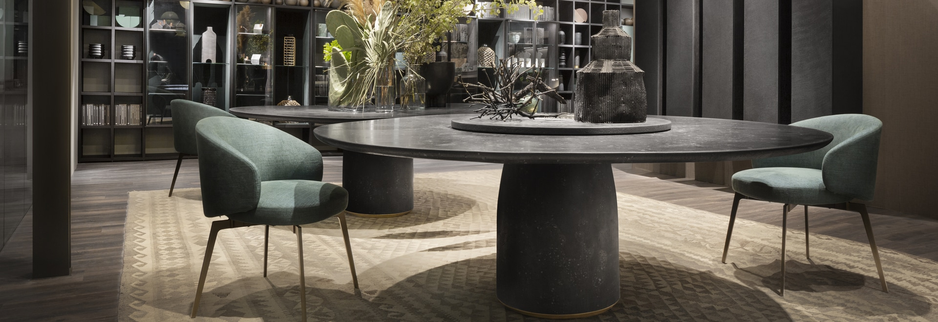 Bulè table by Chiara Andreatti; Bea dining chair by Roberto Lazzeroni; T030 and Selecta modular system