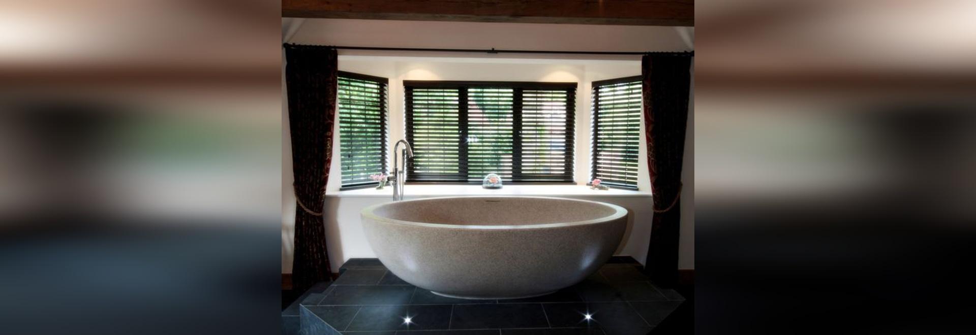 CAPPUCHINO IMPERIA Bathtub By Castello Luxury Baths