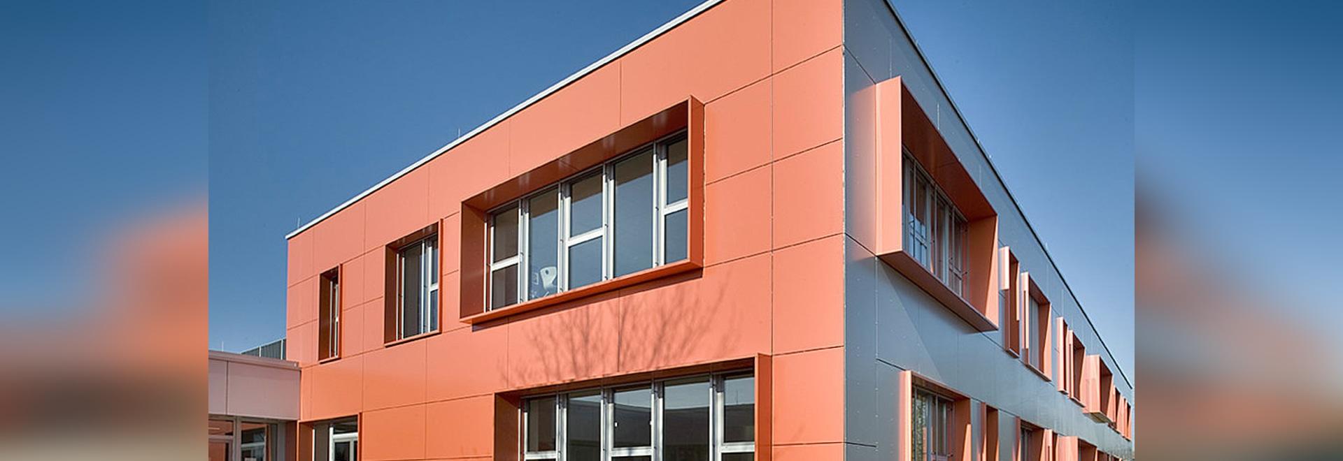 College Wilhelm Leuschner - Energetic and visual renovation with Reynobond aluminium composite panels