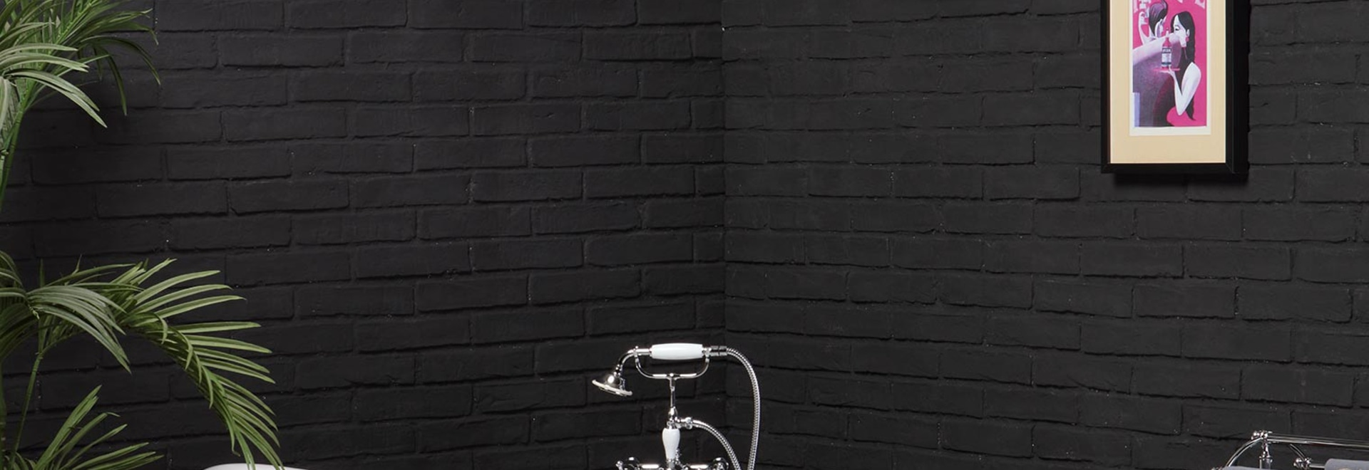 Coloured cast iron bathtub for your home