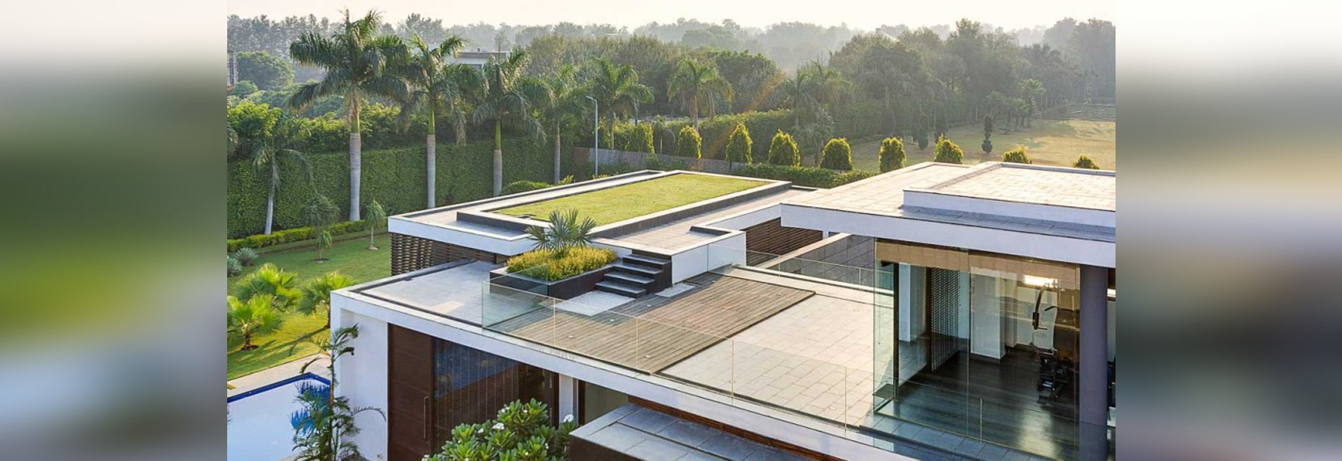 Contemporary New Delhi Villa with Amazing Courtyard and Water ...