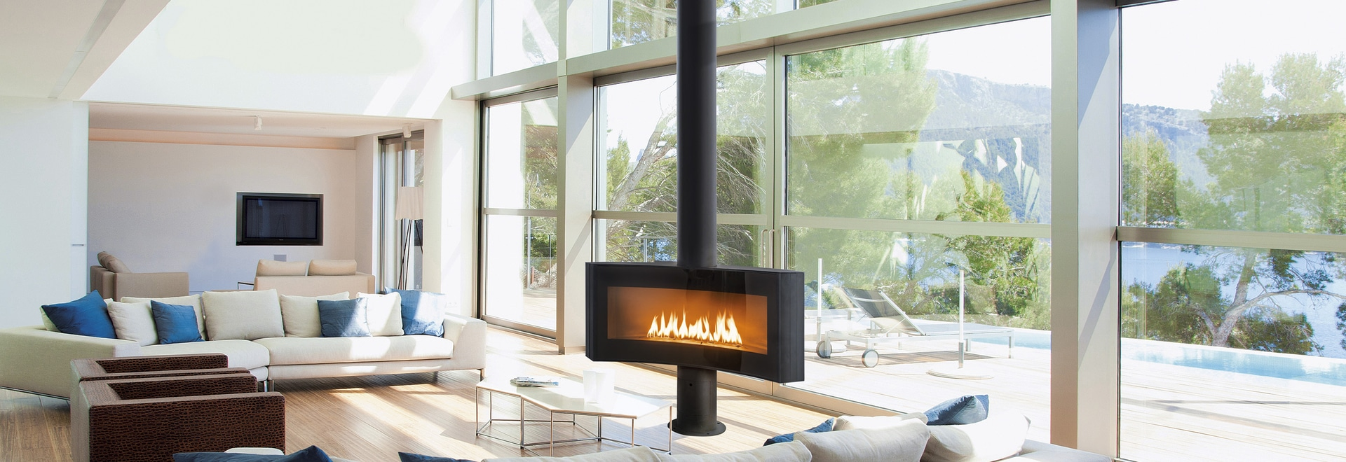 Curvifocus: the world's first fireplace with a curved face, created by Dominique Imbert for Focus