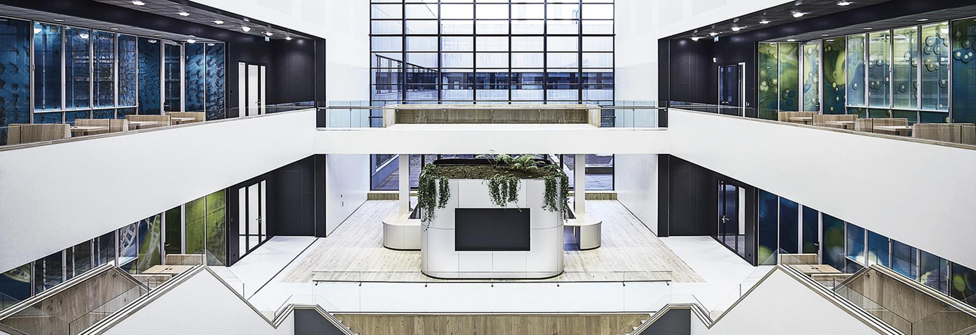 Delft TU Atrium - Laminam slabs