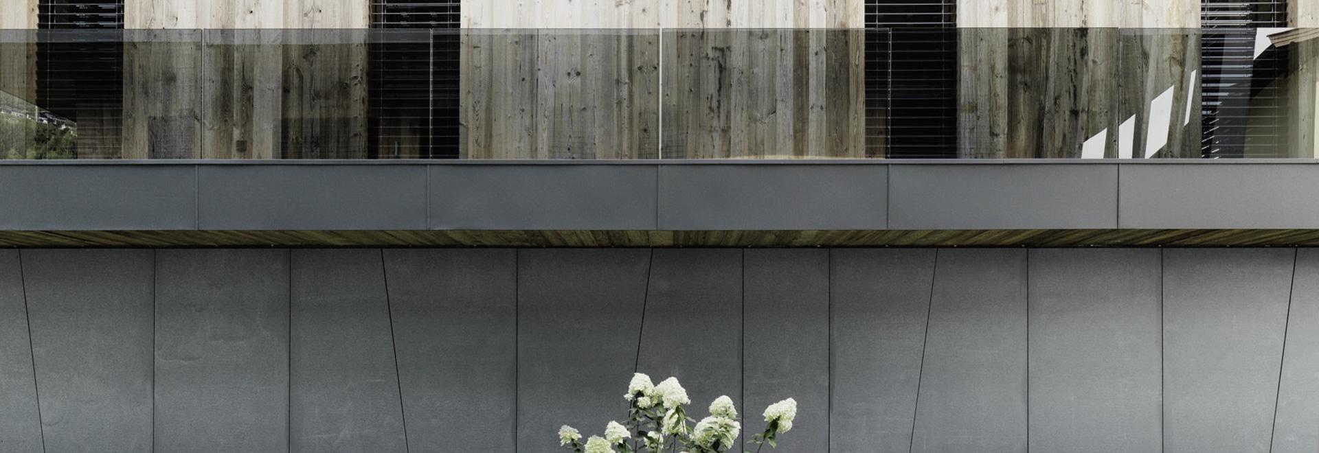 façade made of glass fibre concrete in vintage design