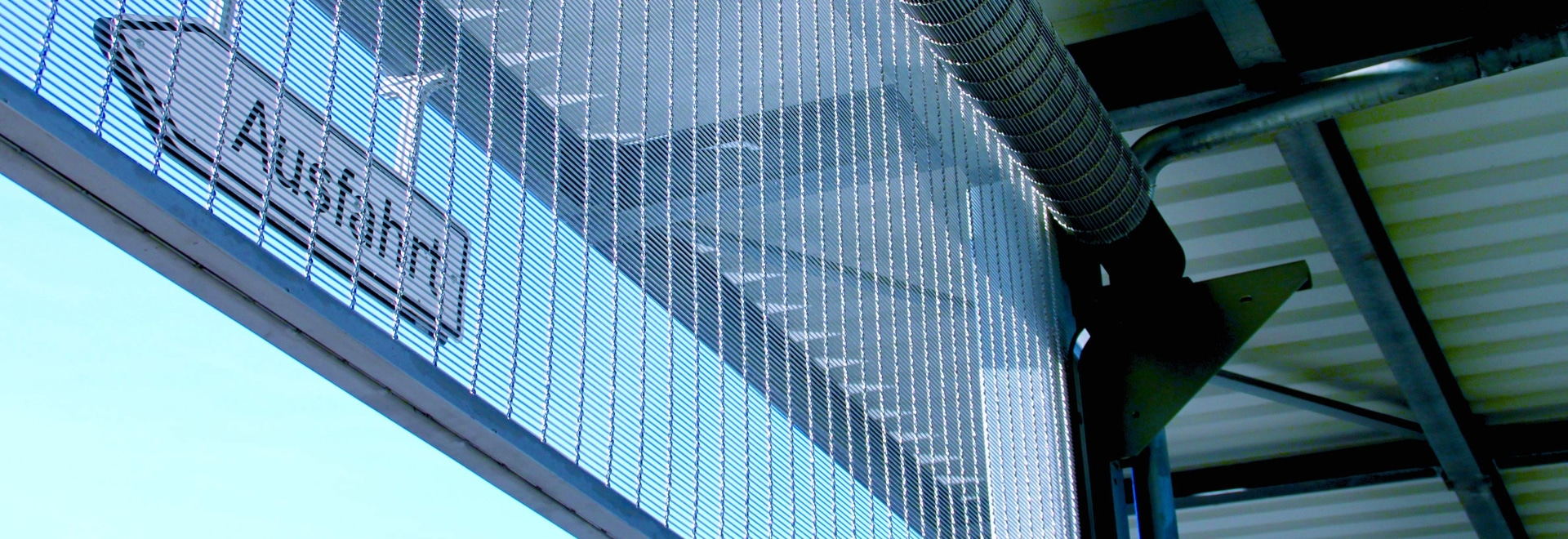 GKD: Roller shutters and CMP mesh as magnet for trade fair visitors