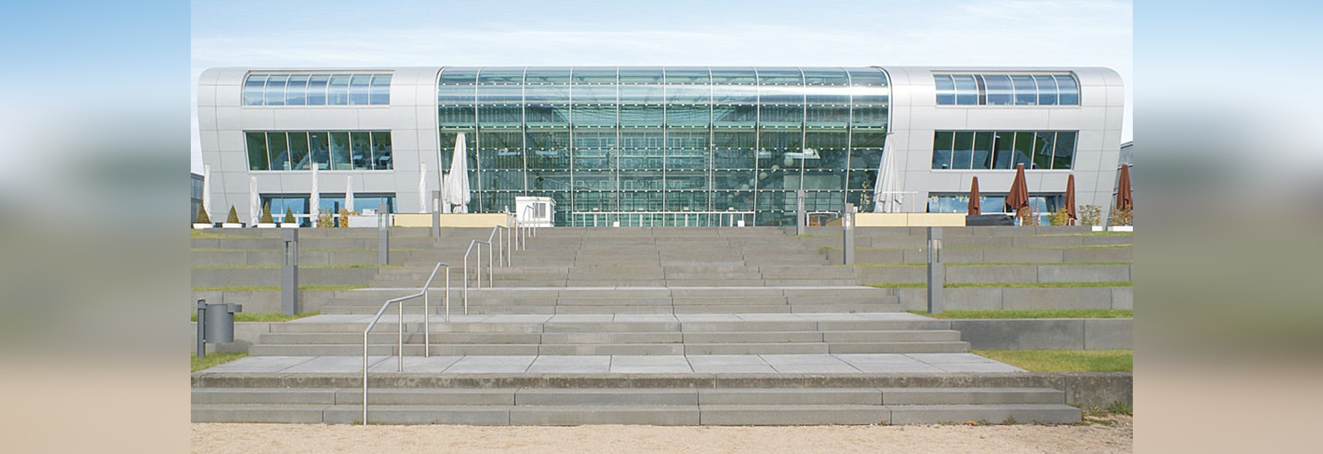 Luxury Hotel Kameha Grand Bonn - Futuristic architecture on the Rhine with Reynobond aluminium composite panels