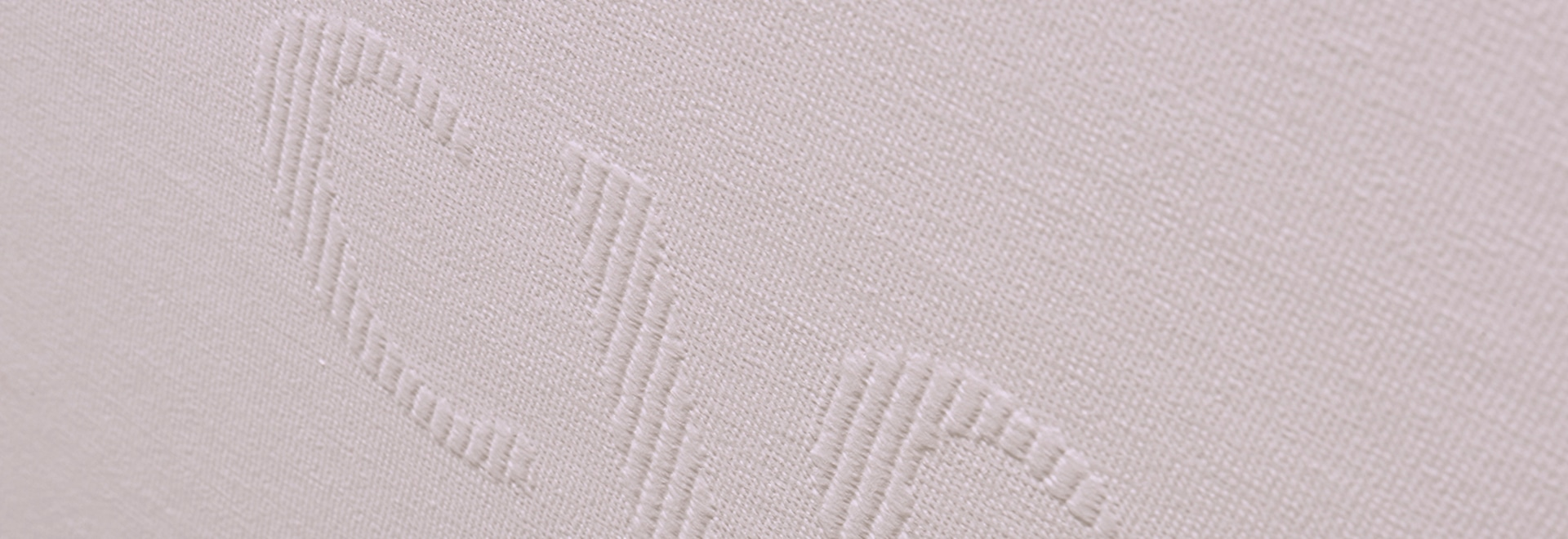 Made-to-measure weaving for bank agencies CIC Nord Ouest