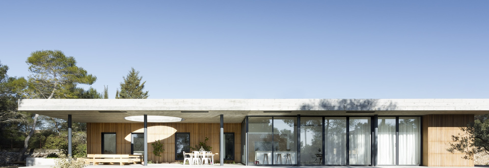 maison 0.82 is a modernist family villa in the south of france