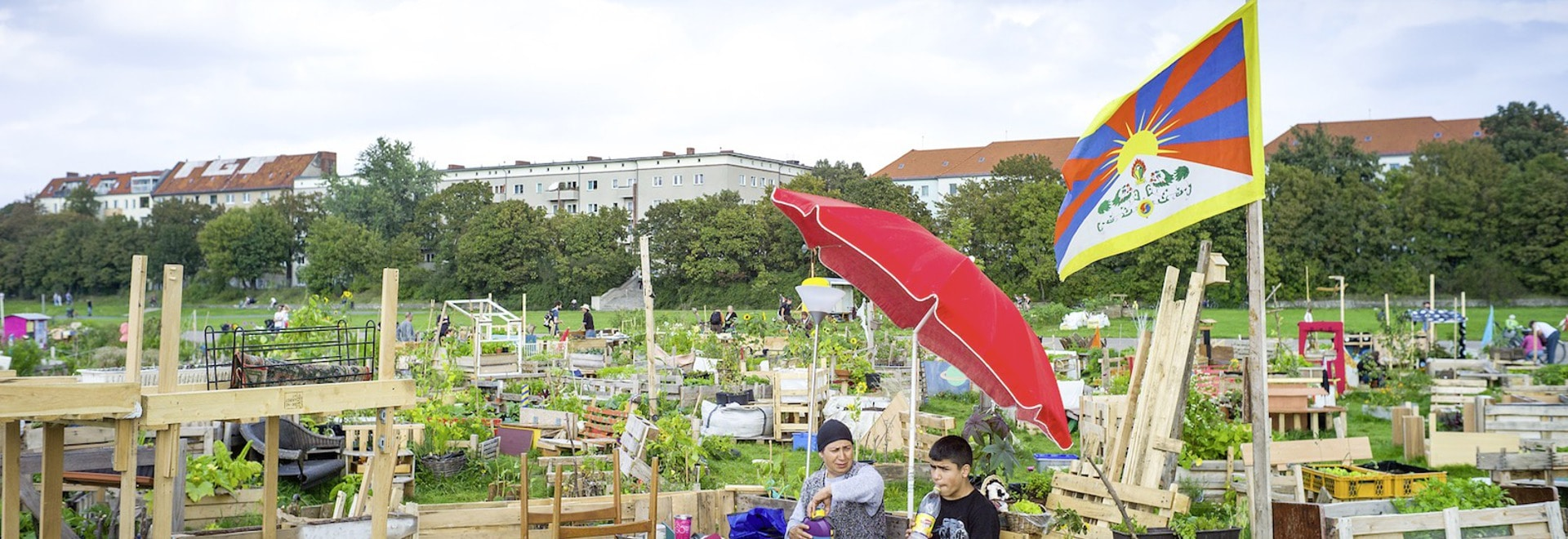"""Make City, taking place from June 11 to 28 in Berlin, is a festival concerned with """"re-sourcing"""" the urban – just as here at the former Tempelhof airfield. (Photo: © Michael Jungblut)"""