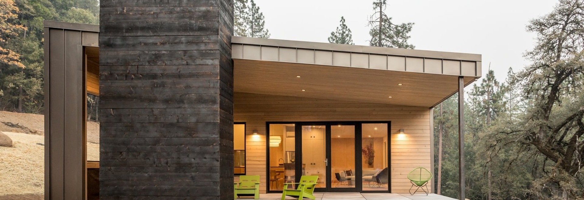 Mela Breen and David Good set out to build a zero-energy property that blended into its surroundings in the Sierra Nevada Mountains.
