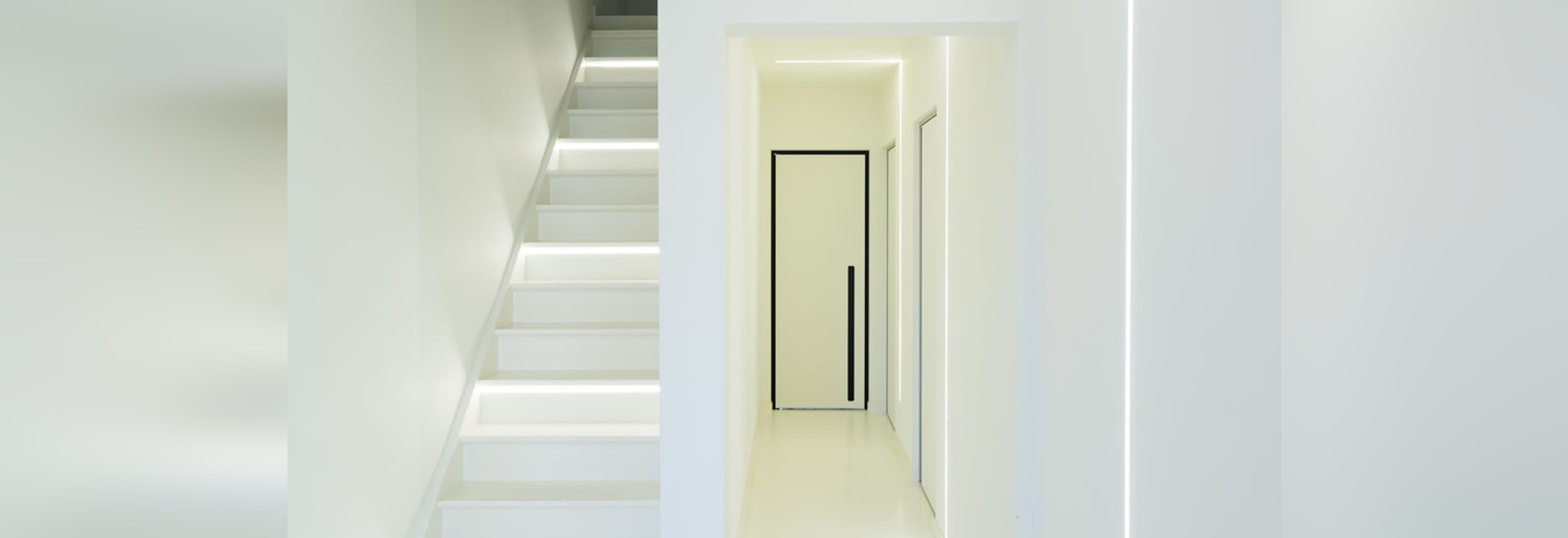 Modern interior doors with built-in handles
