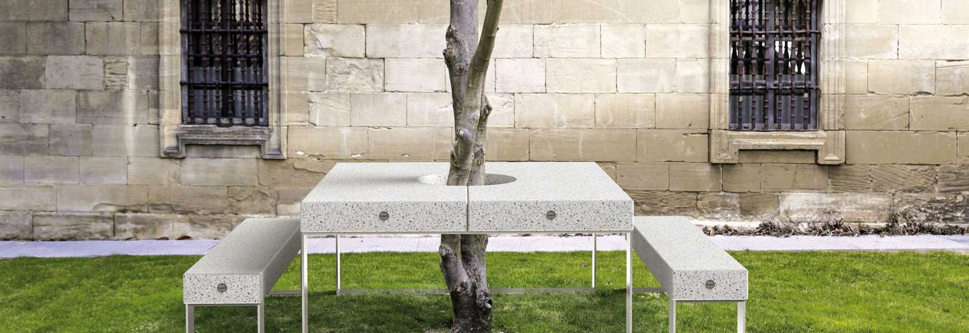 NEW: contemporary bench and table set by METALCO