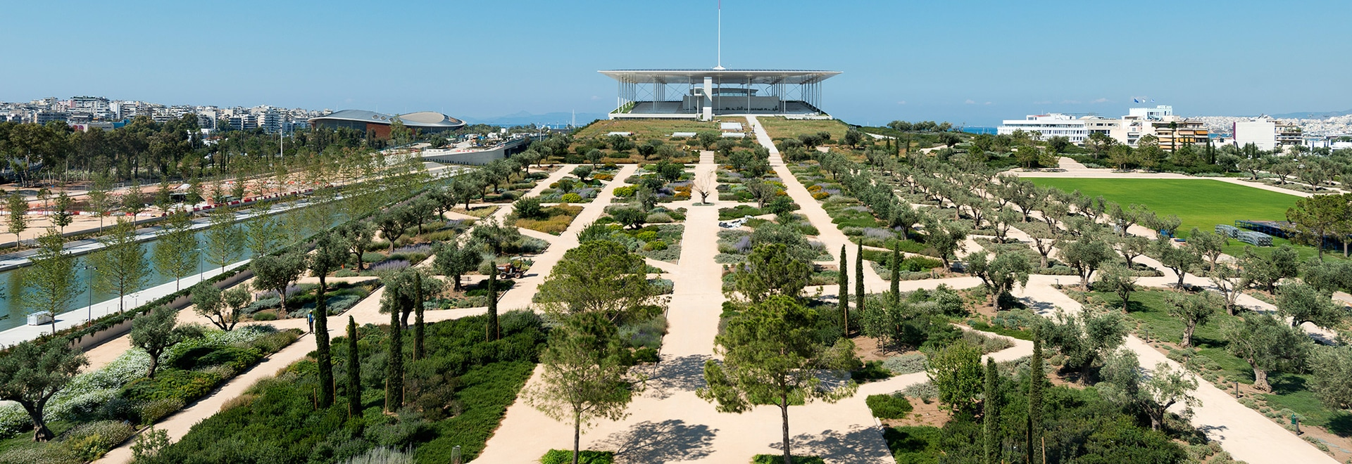 The new Stavos Niarchos Foundation Cultural Center with National Opera and National Library is embedded in a giant mediterranean parkland. © SNFCC / Yiorgis Yerolymbos
