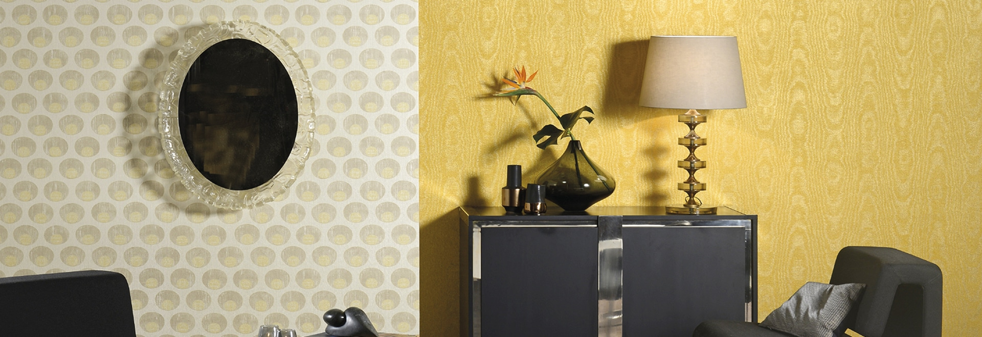 New: textile wallcovering on non-woven backing by Omexco