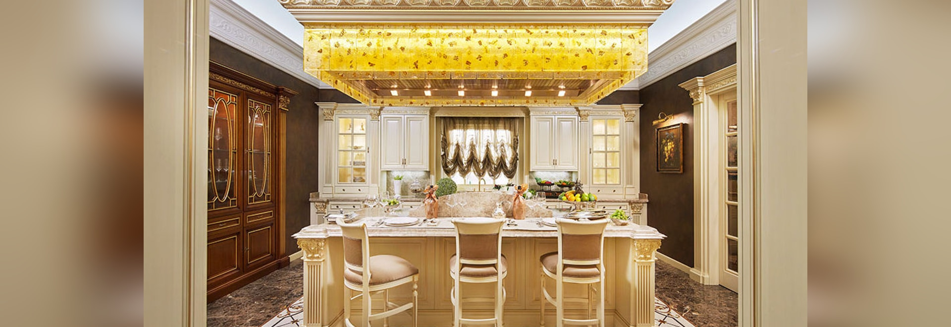 PRINCE traditional kitchen by FAOMA