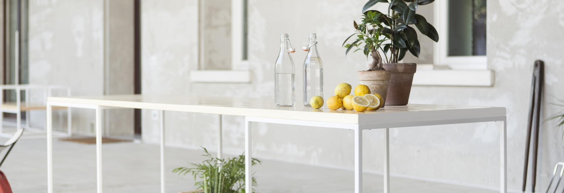 Table in Lapitec® by Devvy  Comacchio of the Didonè-Comacchio studio