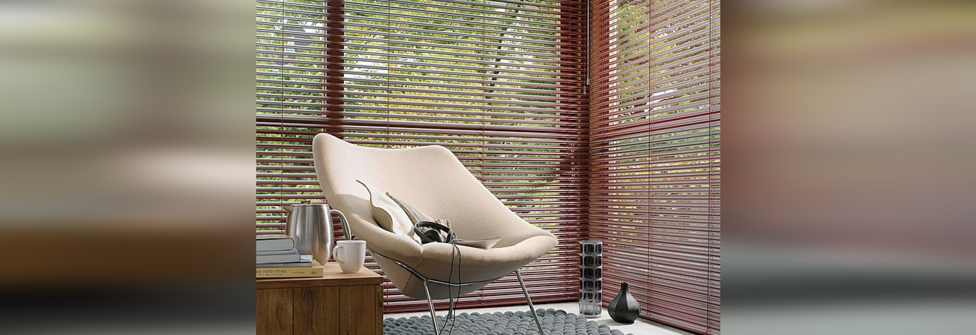 VENETIAN BLIND FOR INTERIORS WITH 16-25 mm